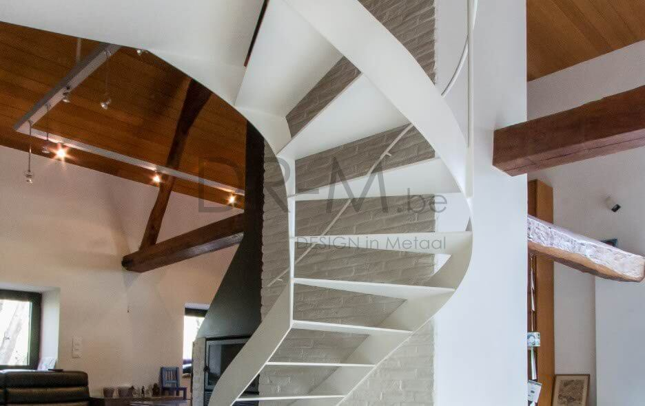 Moderne trappendr m